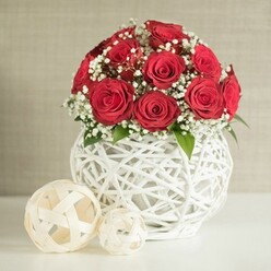 RED ROSES WEDDING ARRANGEMENT