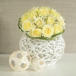 WHITE ROSES WEDDING ARRANGEMENT